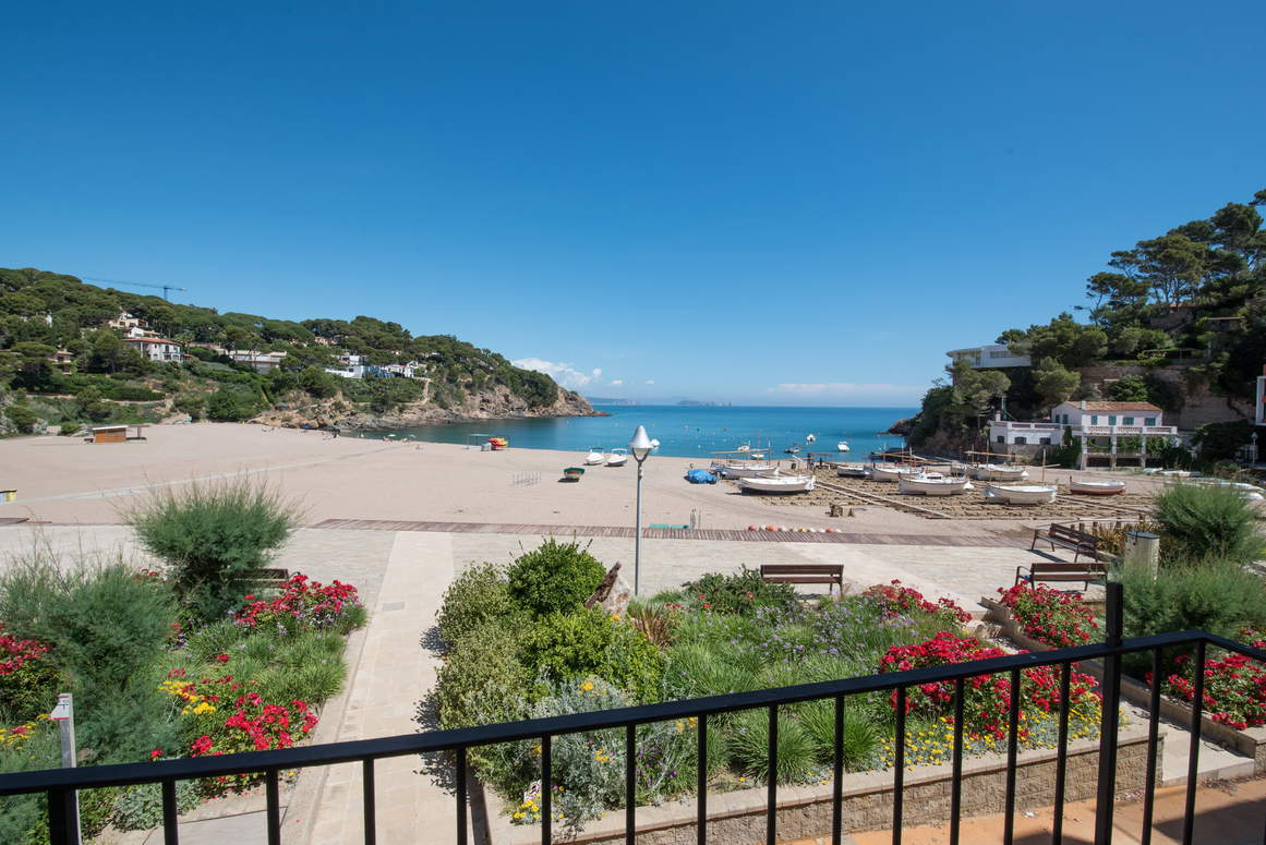 Holidays rentals Apartment Begur